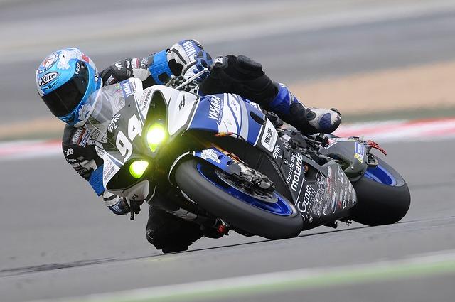 Wyścigi motocyklowe – na czym polega ten sport?