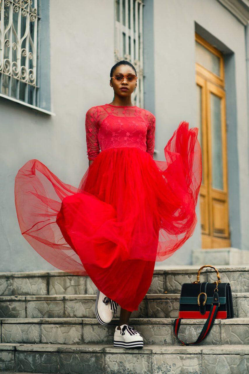 Nie ma to jak czerwona sukienka