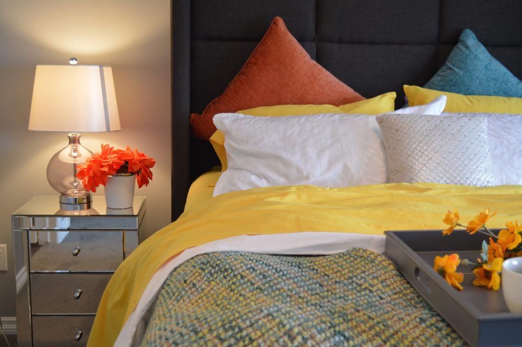 mała sypialnia aranżacja
