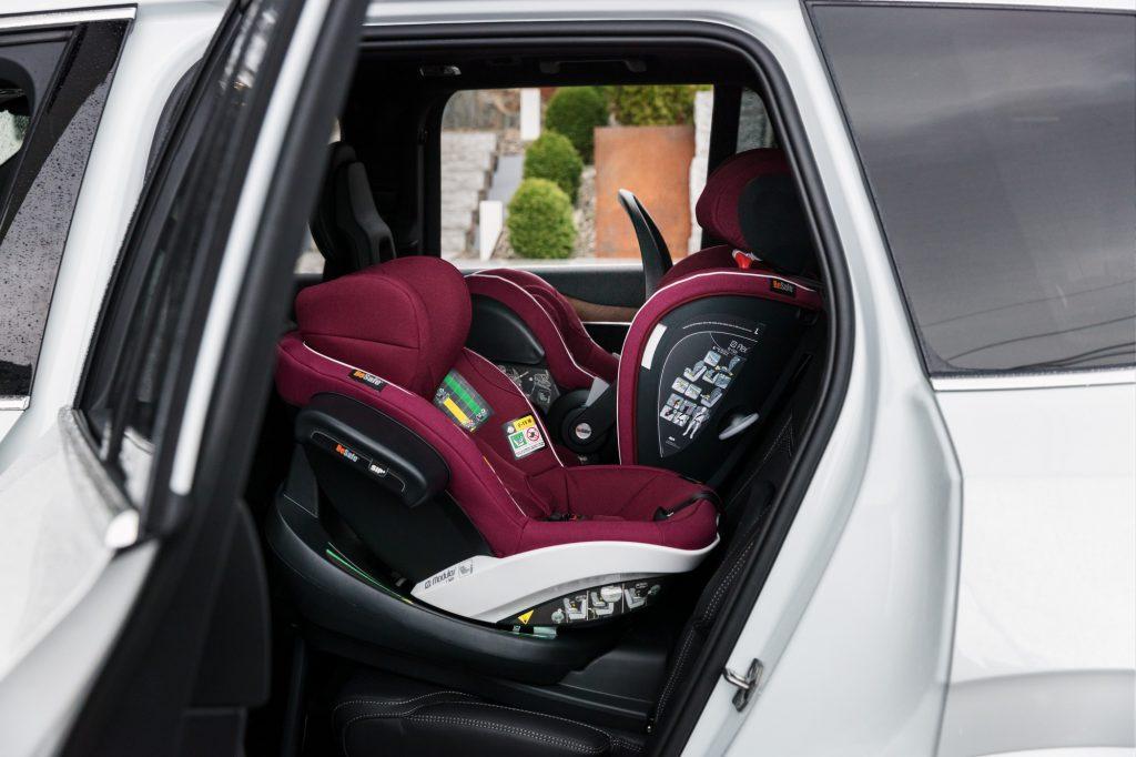 samochodowy dla niemowlaka