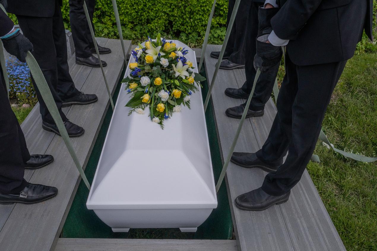 Na co zwrócić uwagę przy wyborze zakładu pogrzebowego?